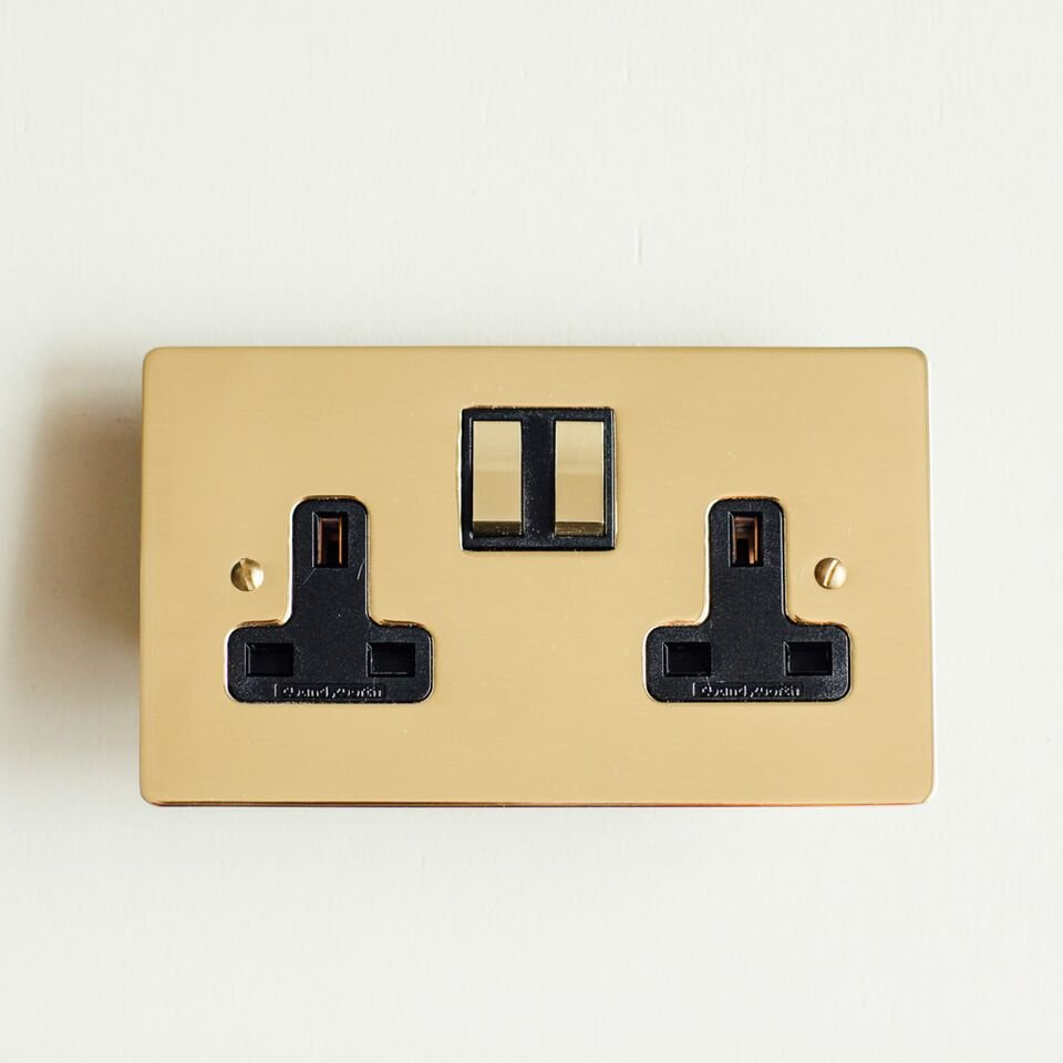 13 Amp Double Switched Socket - Polished Brass