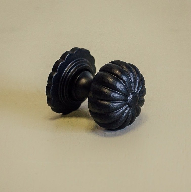 Flower Cabinet Knob - Black