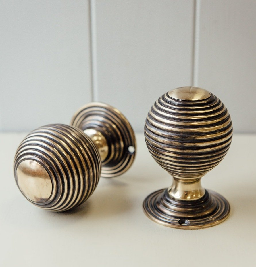 Beehive Large Door Knobs (Pair) - Aged Brass