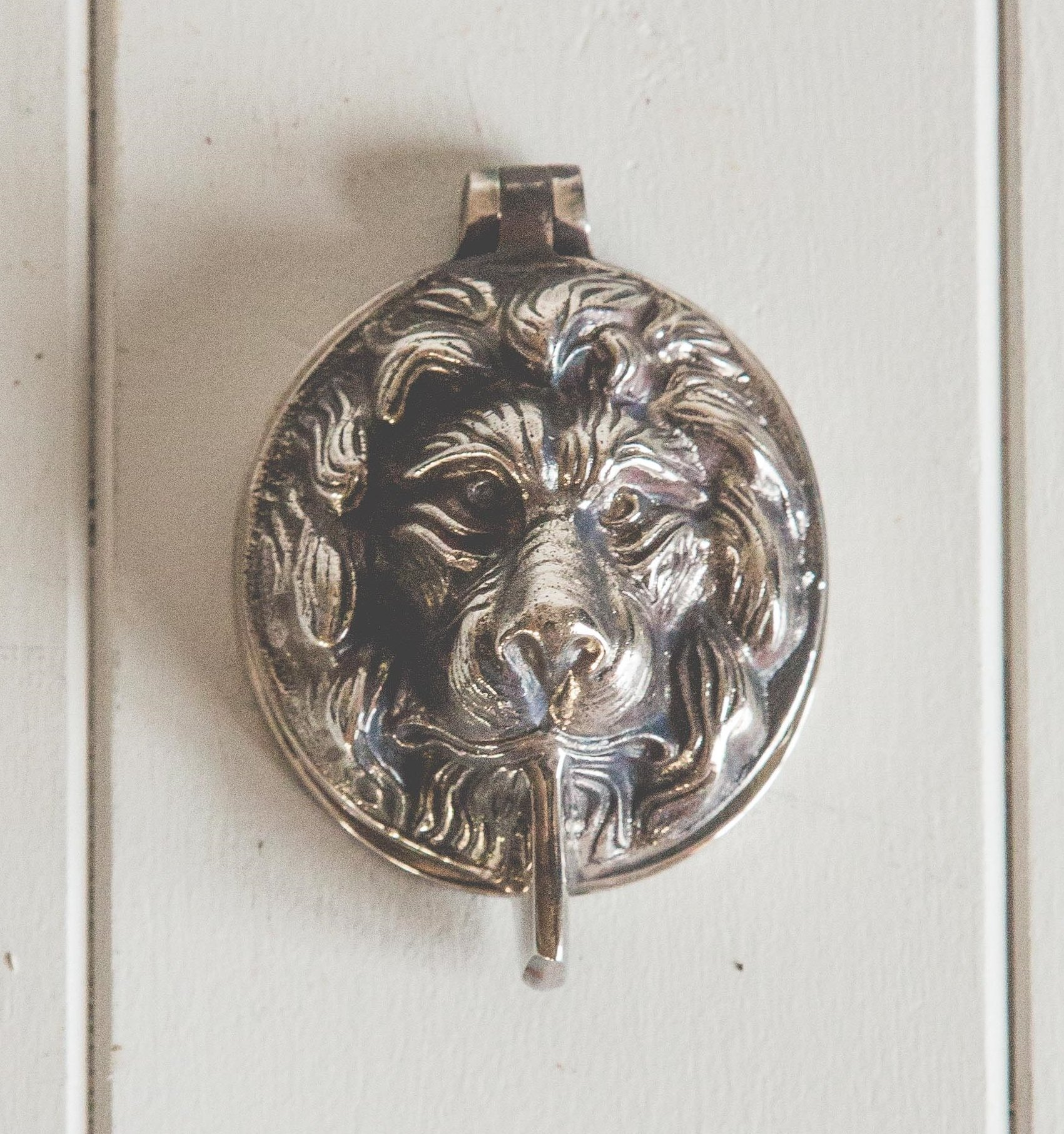 Lions Head Latch Key Cover - Aged Nickel
