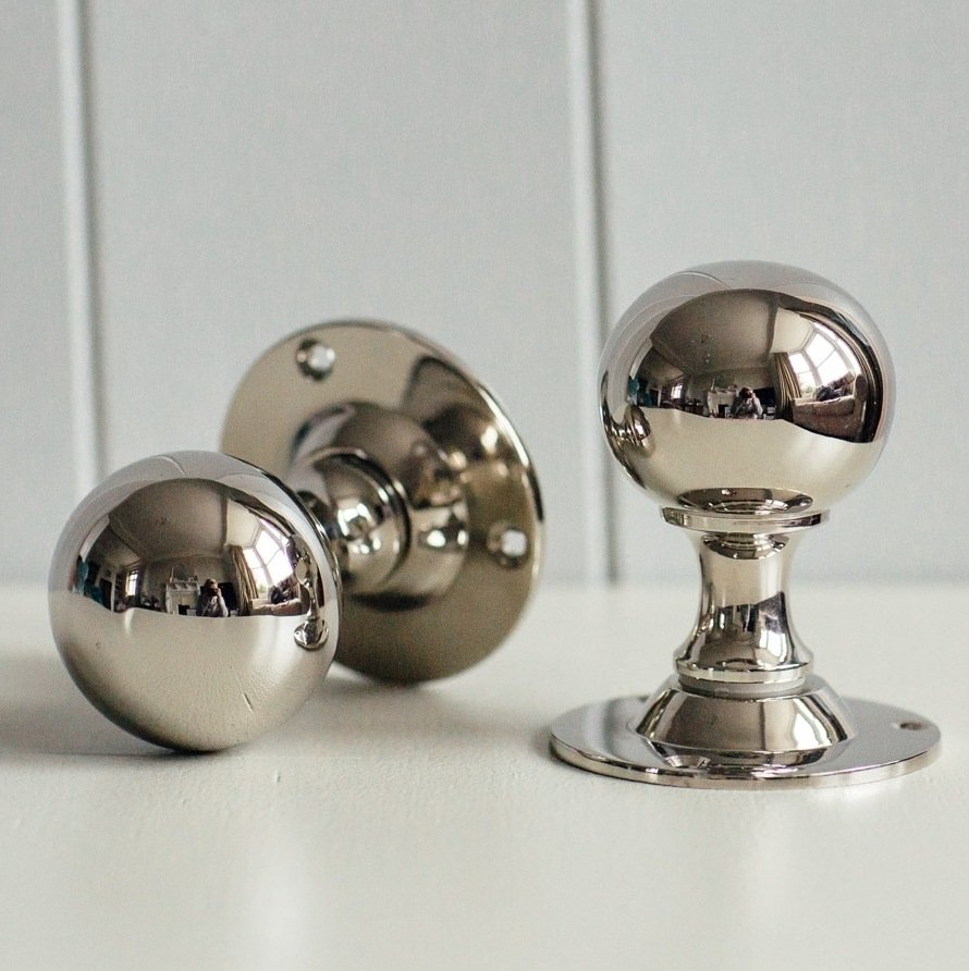 Round Door Knobs (Pair) - Nickel