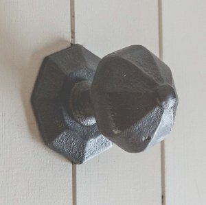 Octagonal Door Pull- Black