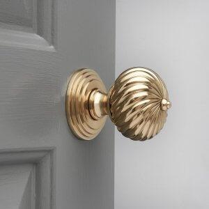 Swirl Design Door Knobs (Pair) - Brass