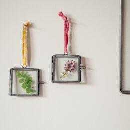 Tiny Zinc Frames