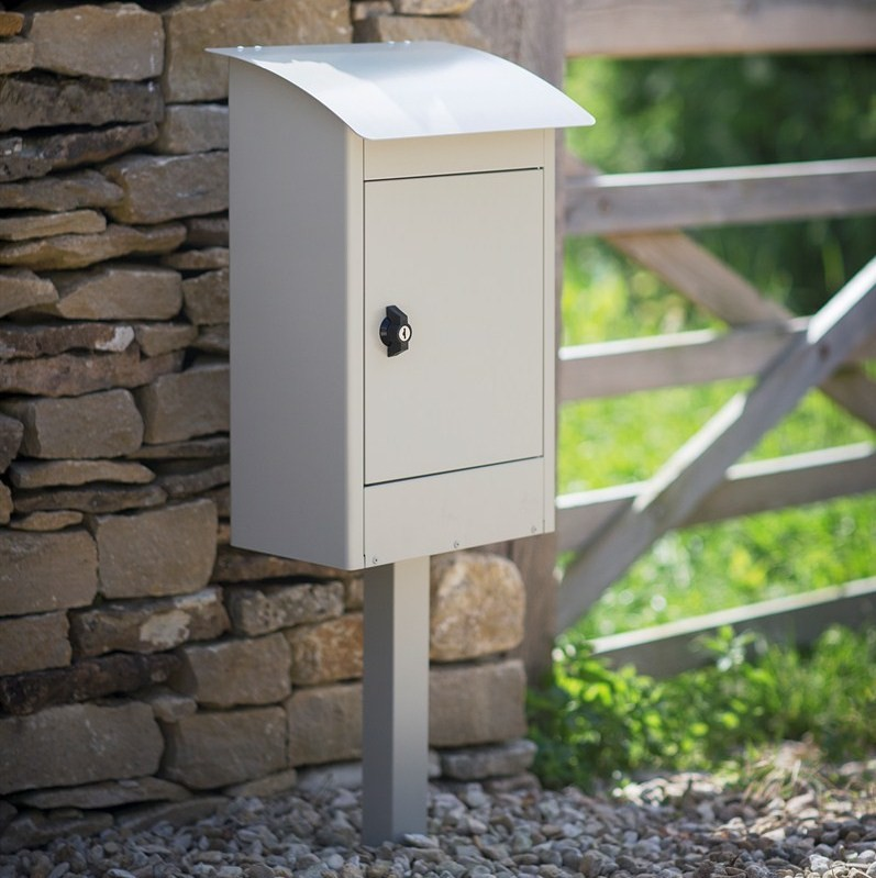 Free standing post box